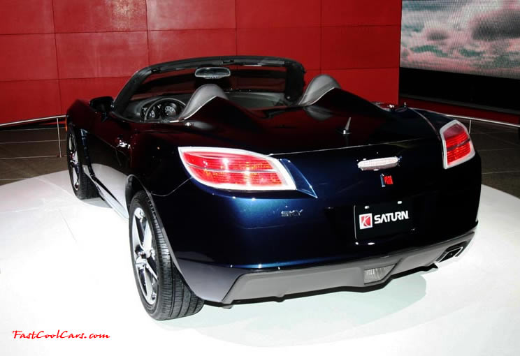 A Red Line Model Of The Sky Was Introduced On April 11 2006 At Saturn Is First Ever Sports Car